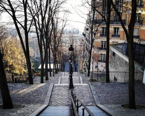 Rue-Foyatier.jpg