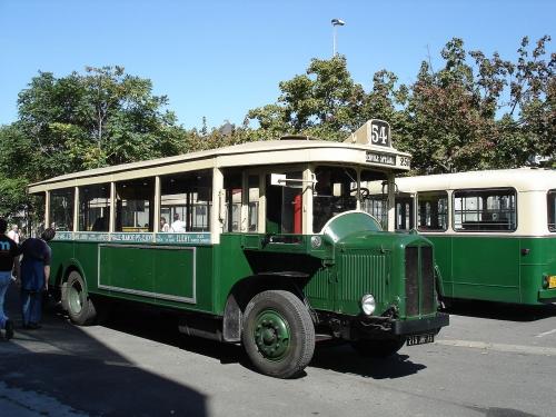 1280px-Autobus_Renault_TN6_A2_de_1932.jpg